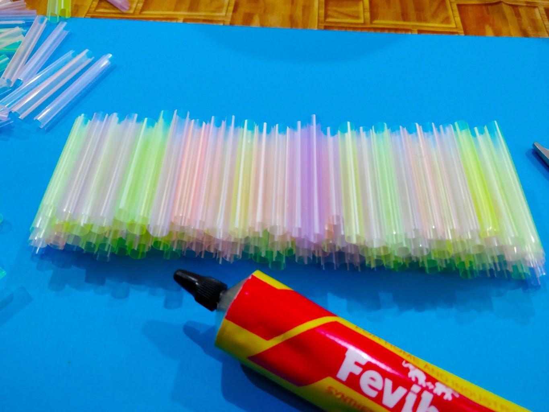 Glueing the Straws!