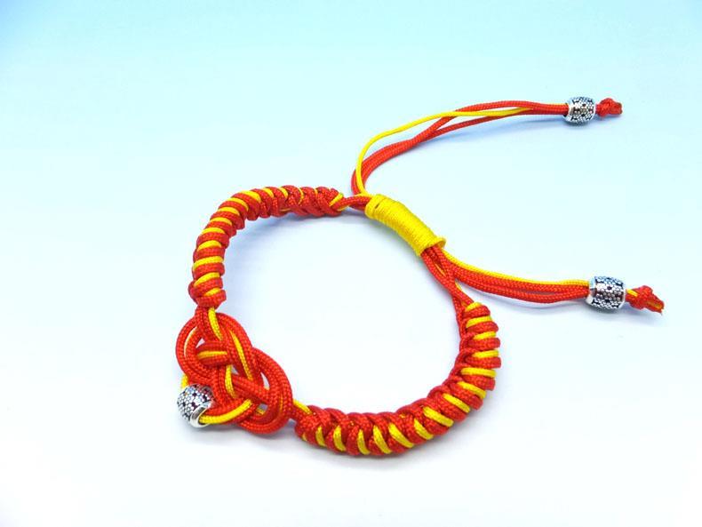 diy bracelets - how to make a friendship bracelet