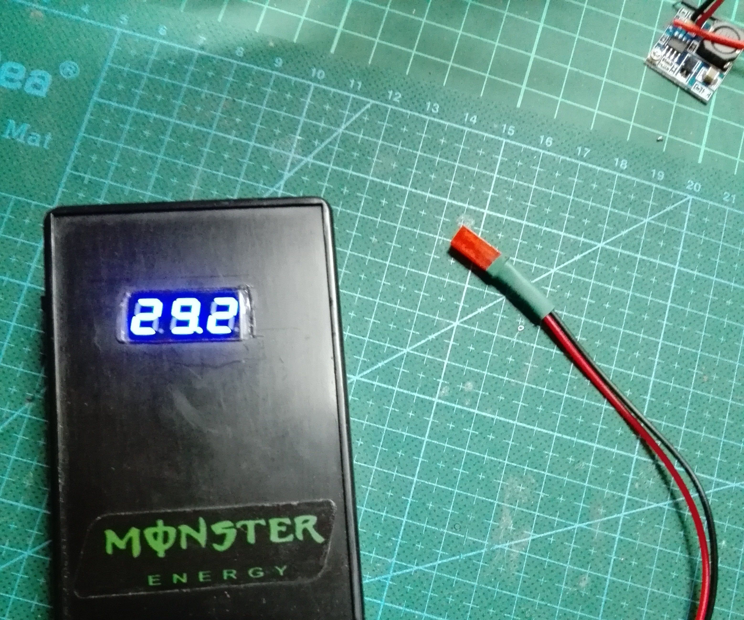 Portable Wireless Power Supply Booster, 4.5V to 29V, and 5V Phone Charger Also.