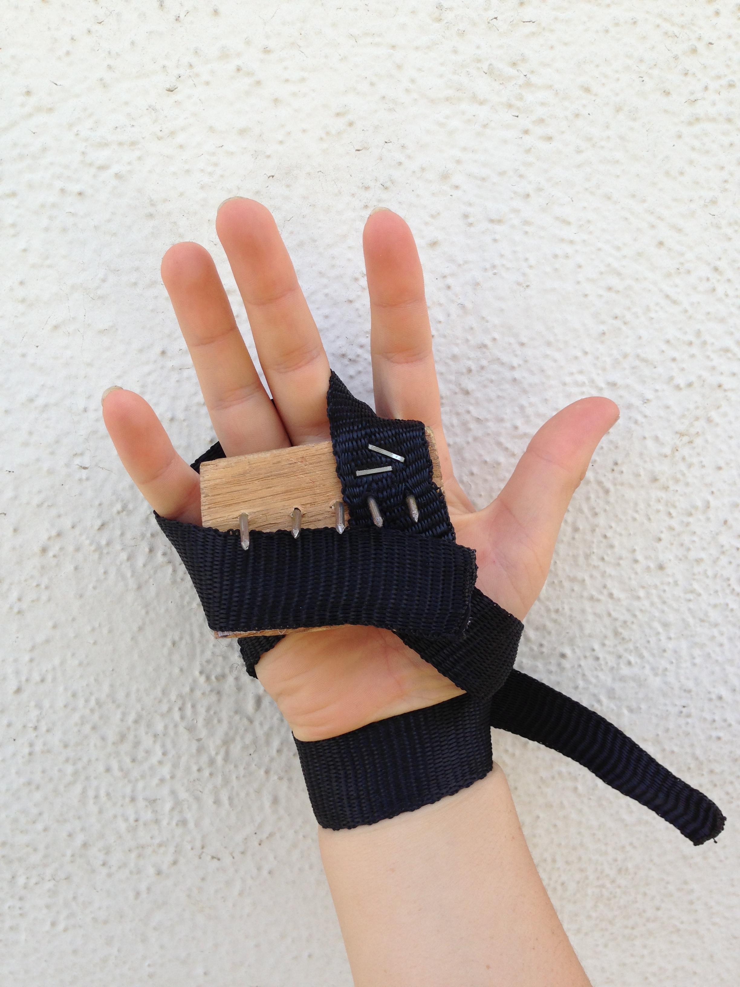 Ninja Climbing Claws, Shuko
