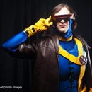 """How to Make an X-Men """"Cyclops"""" Costume"""