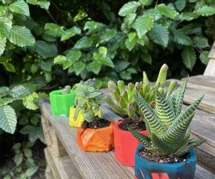 用回收塑料制成的彩色植物盆