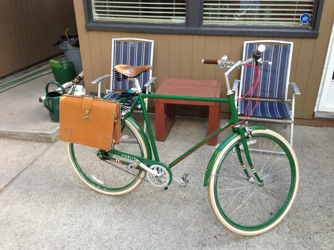 Bike pannier from old briefcase