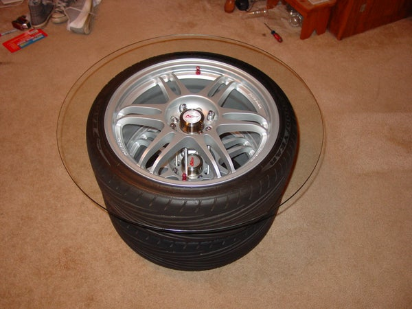 Make a Table Out of Those Old Wheels in Your Garage