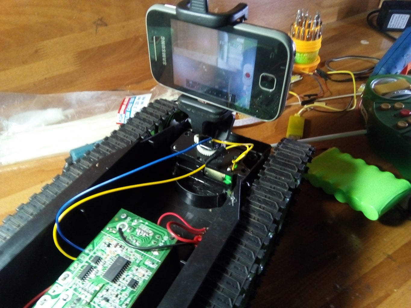 Attach the Selfie to the Servo Motor
