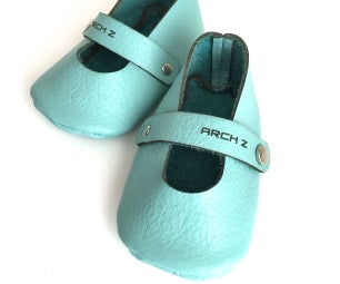 Make Leather Baby Shoes (Mary Janes for a Baby Girl)