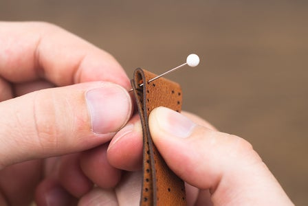 Placing the Stitching Pins