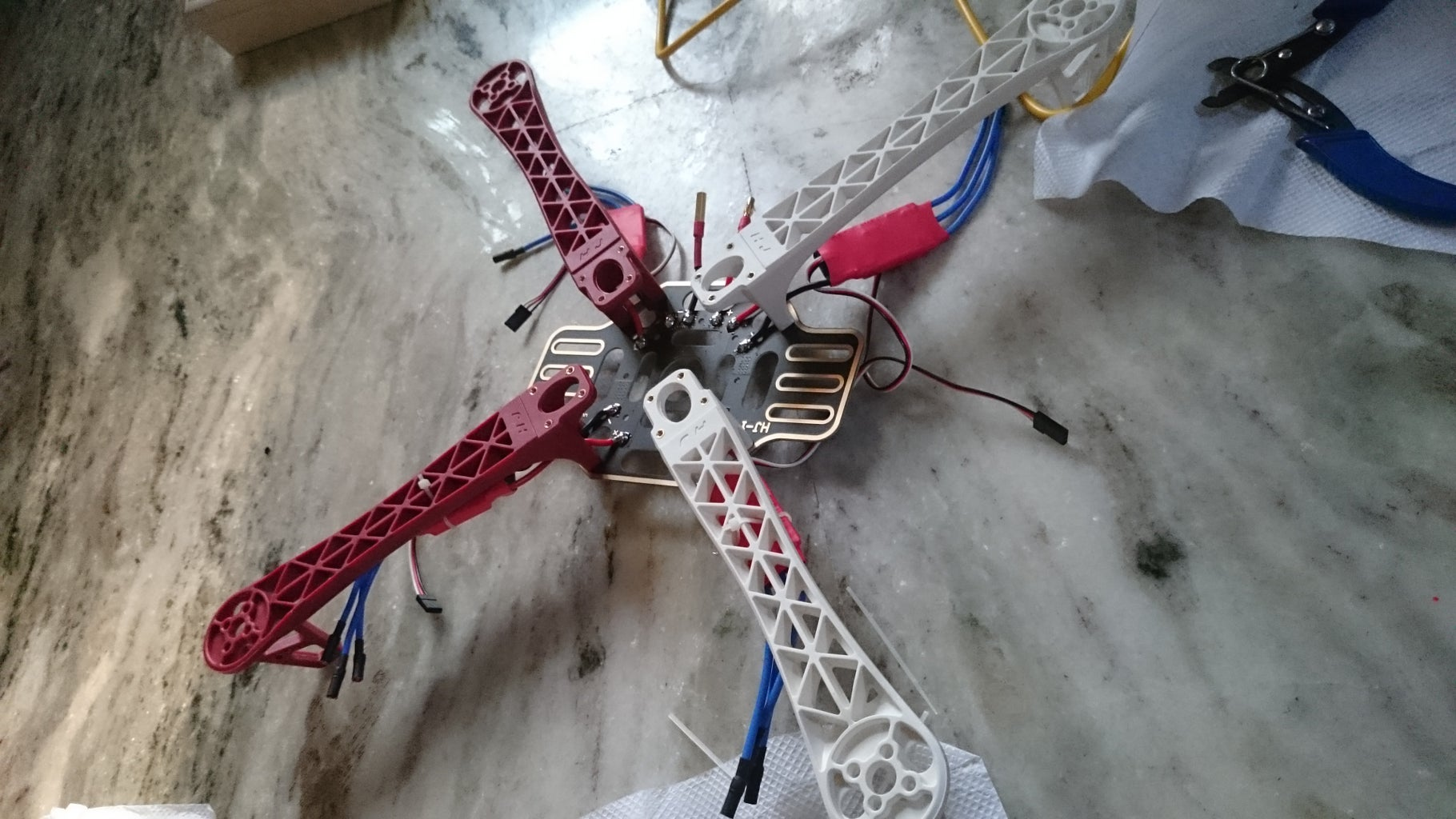 DJi F450 Quadcopter How to Build? Home Built.