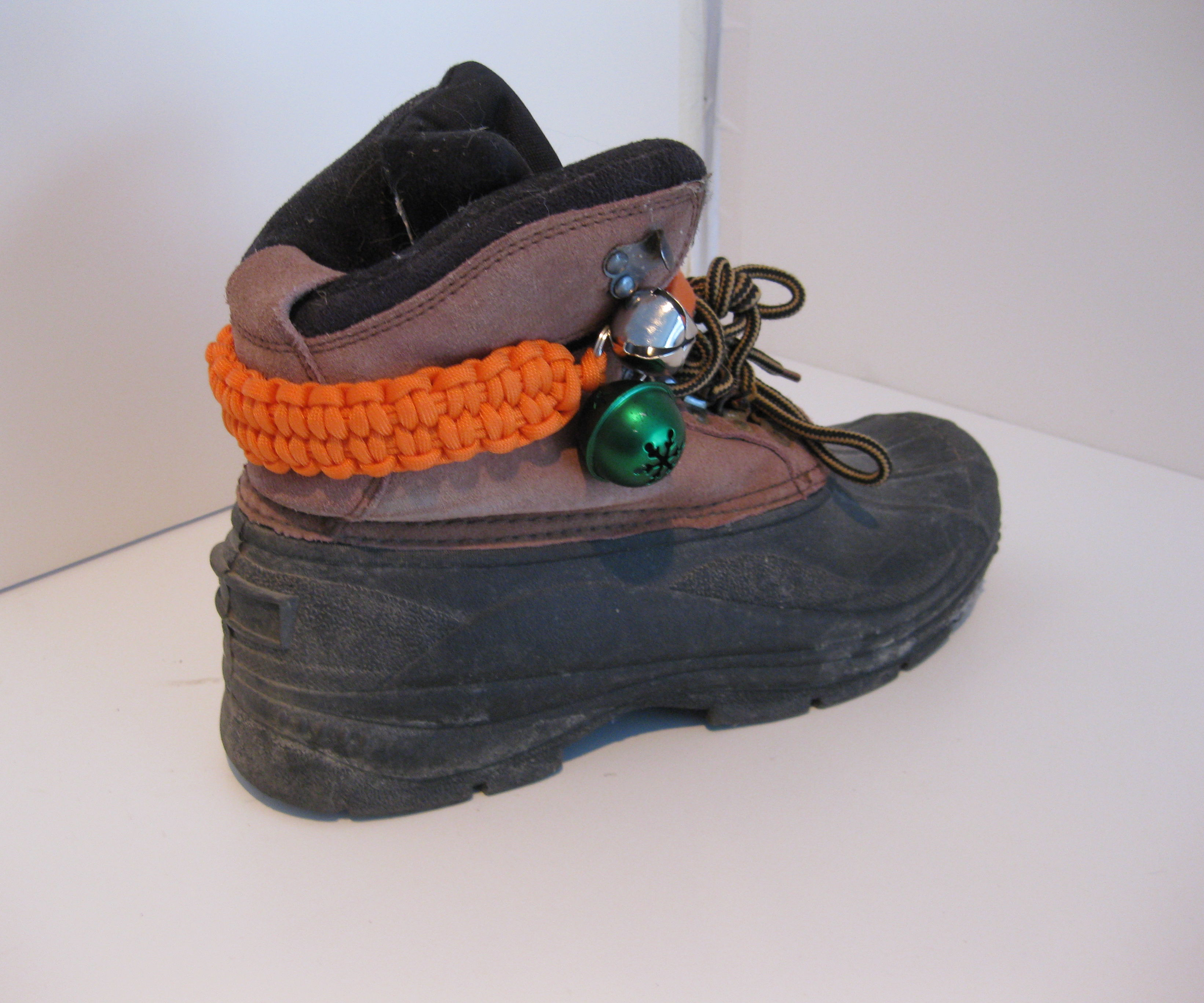 Bear Bell Paracord Ankle Strap