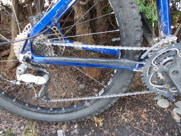 Sugru - Bike Chainstay Protector - DIY