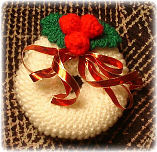 Last minute Christmas pin or ornament to knit!