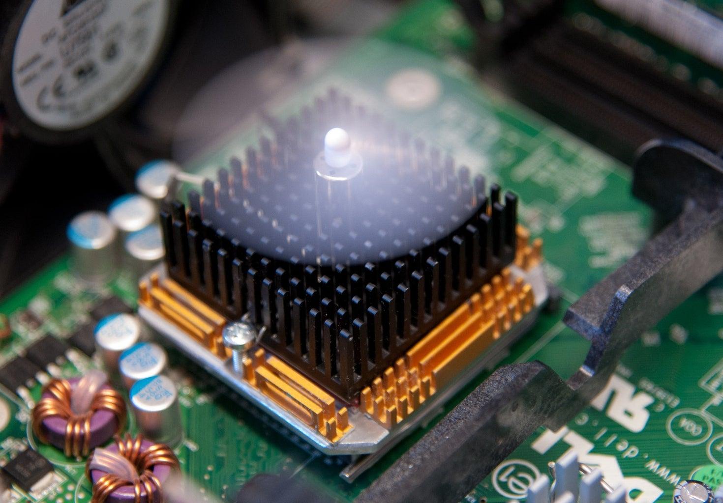 Self-regulating CPU Cooler