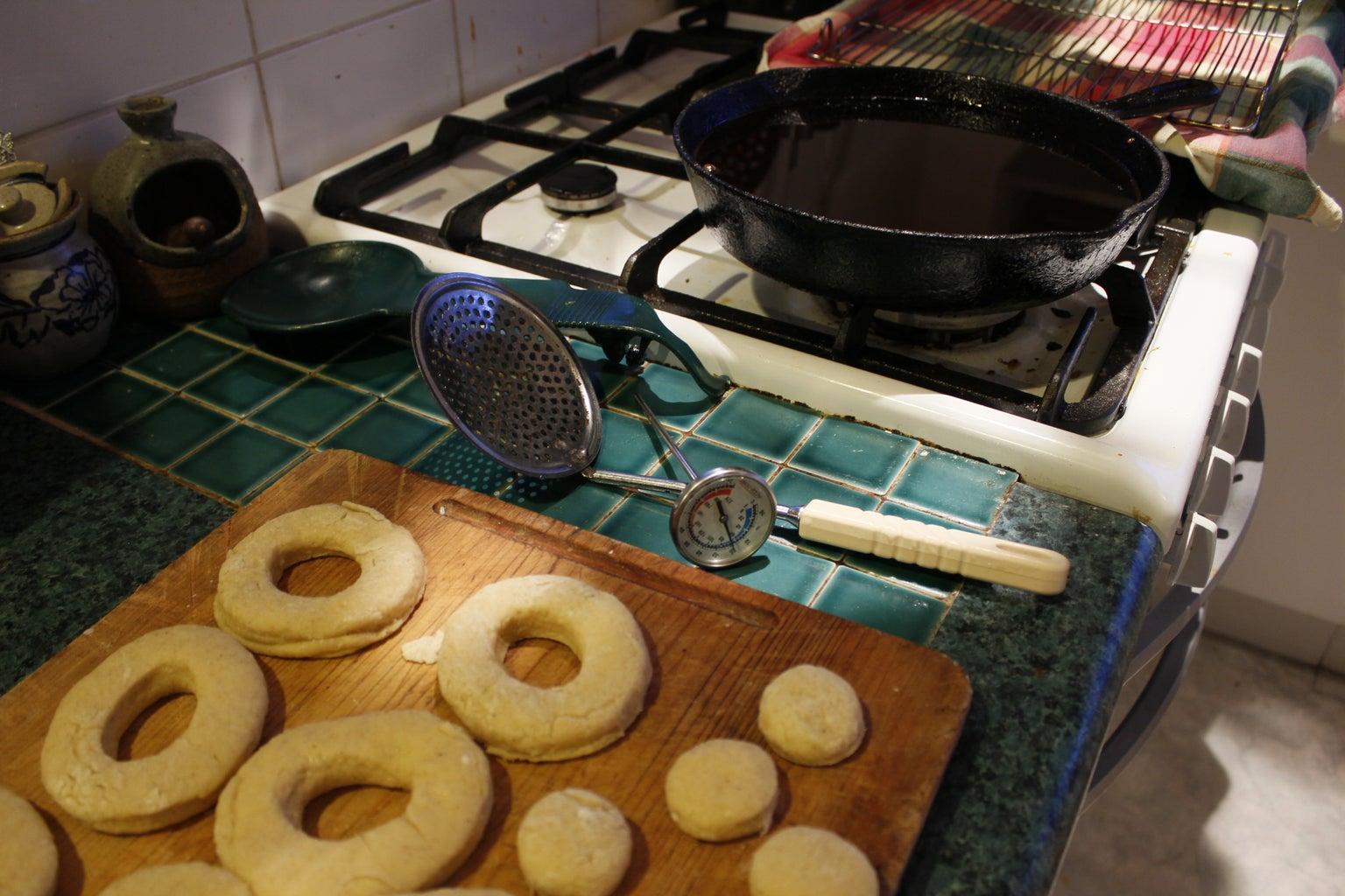 Frying Cake Doughnuts 101