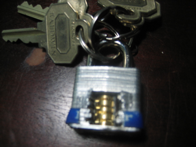 How to make Keychain Cutaway Padlock
