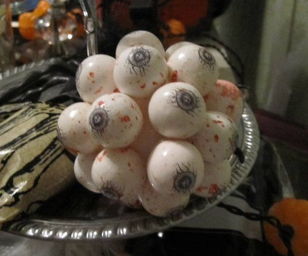 Simple Eye Catching Easy Halloween Decoration