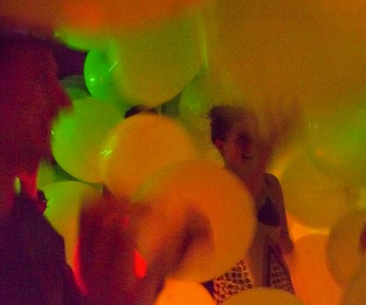 Balloonacy! - an Interactive Balloon Immersion