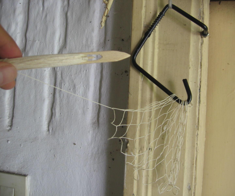Make a net with the handmade tool