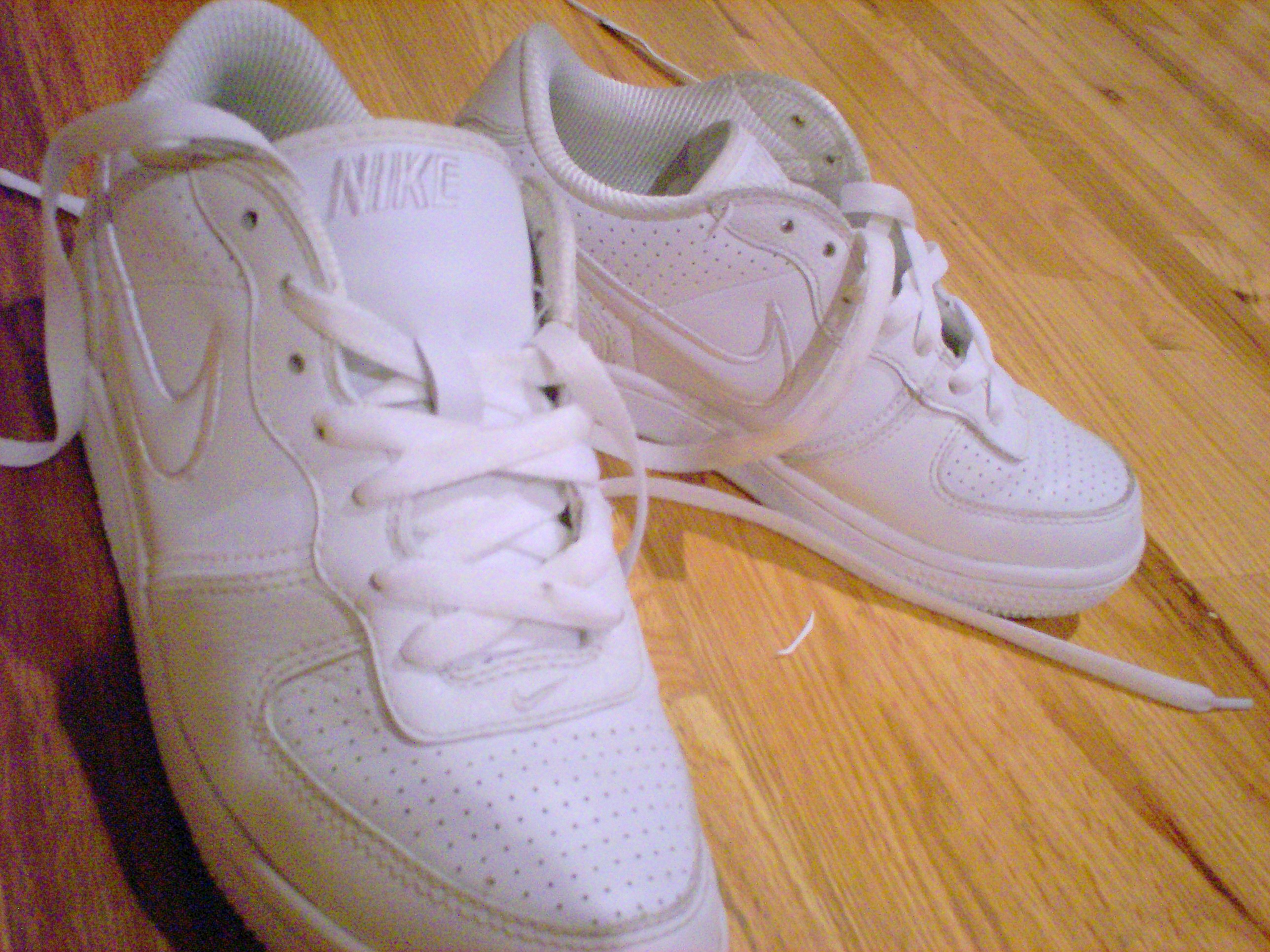 Clean Up Those Nikes! : 5 Steps