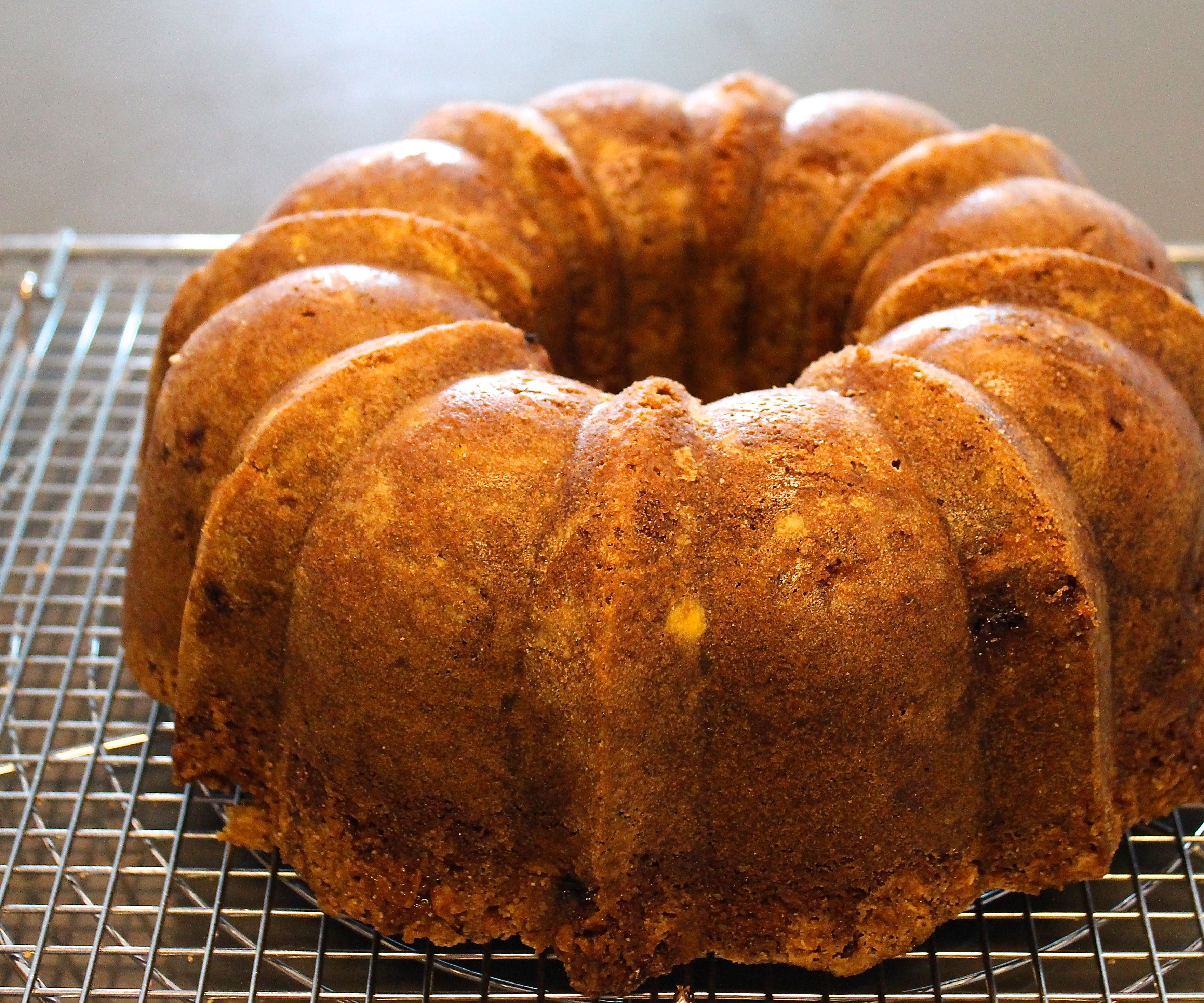 Country Apple Sour Cream Coffee Cake