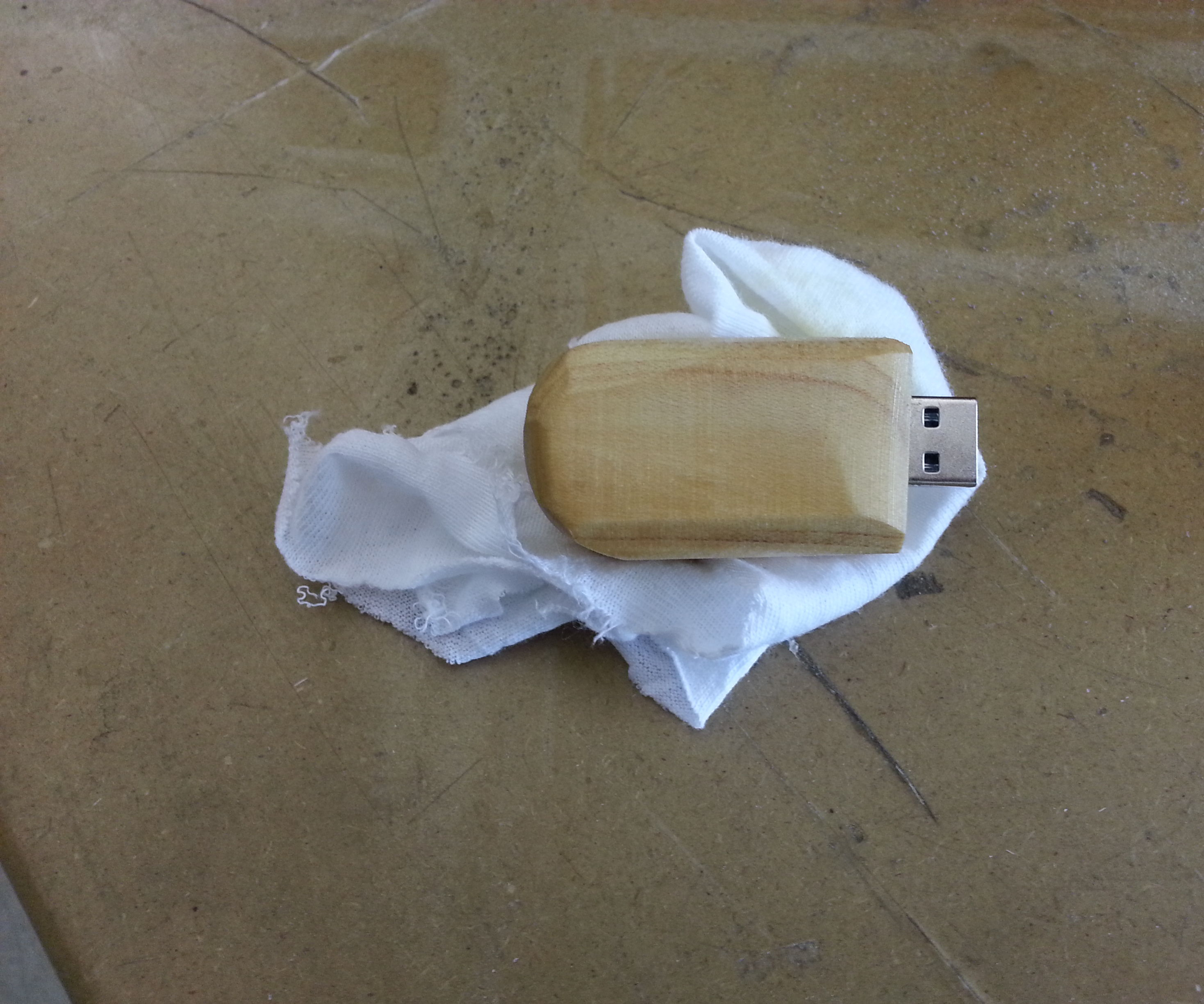 How to Make a Wooden Flash Drive