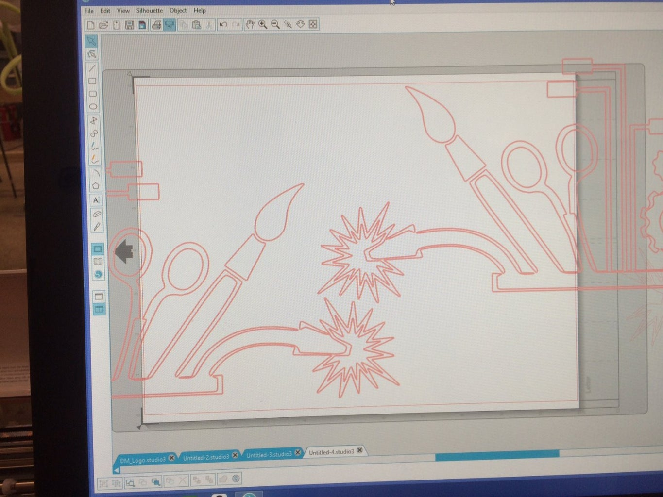 Step 8: Tracing the Details of the Robot Logo