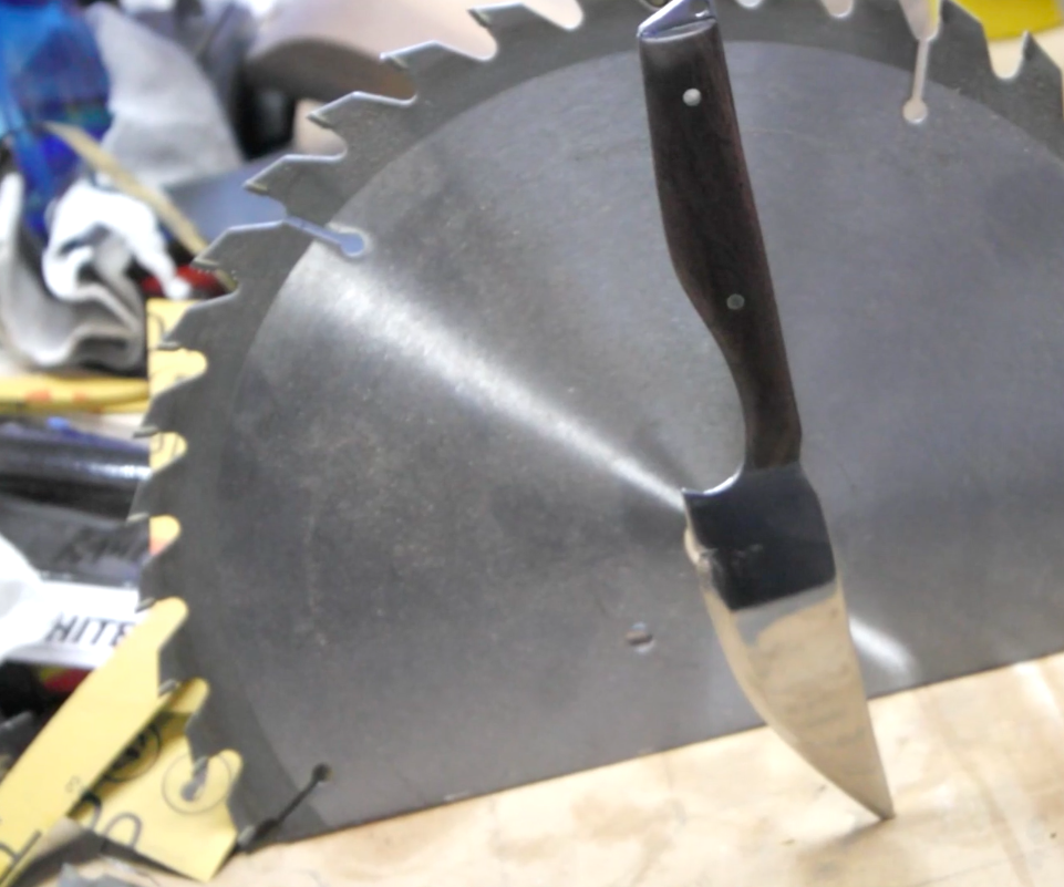 Make a Knife From a Saw Blade Using Basic Tools