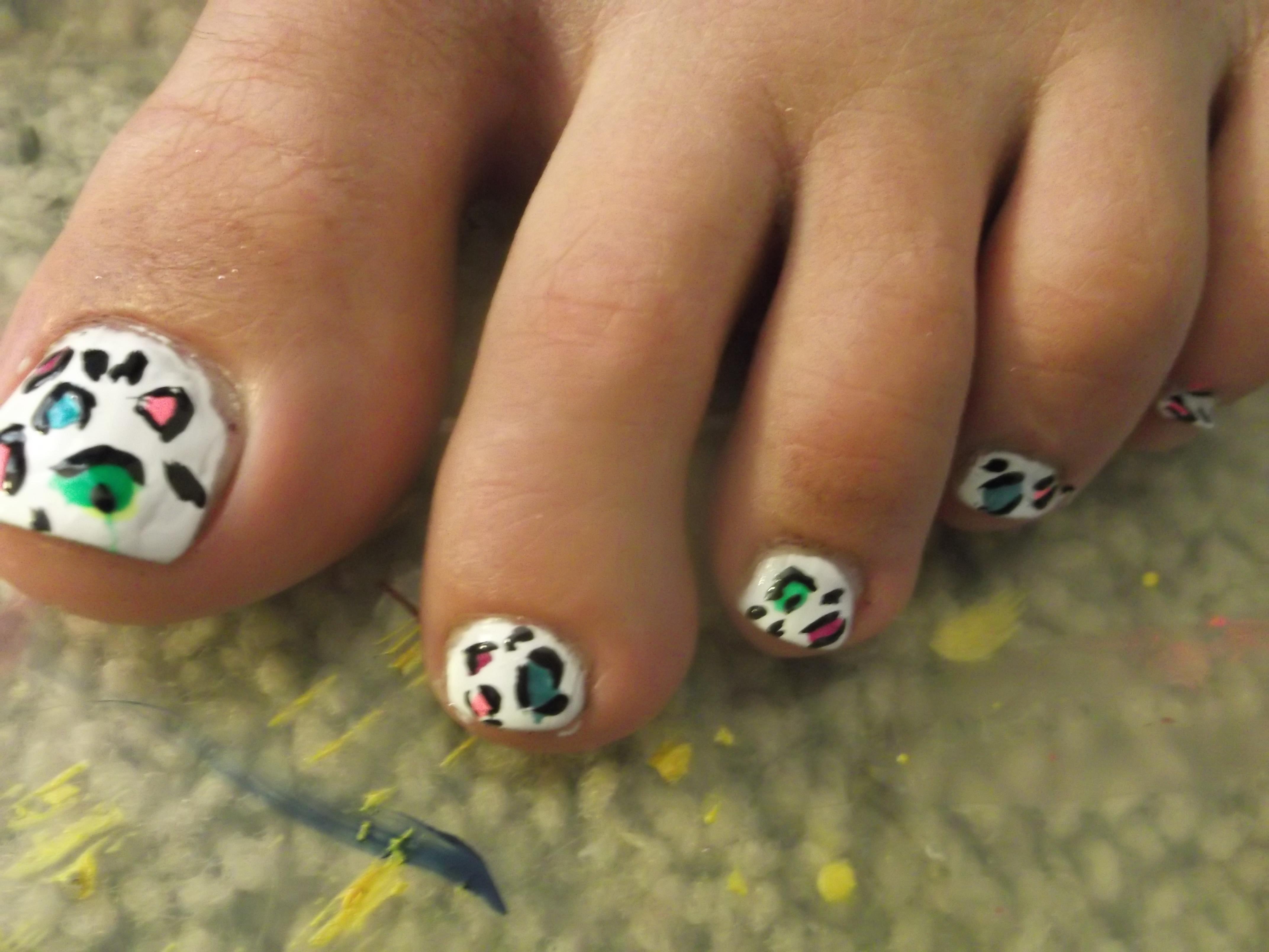 Cheetah Print Nails