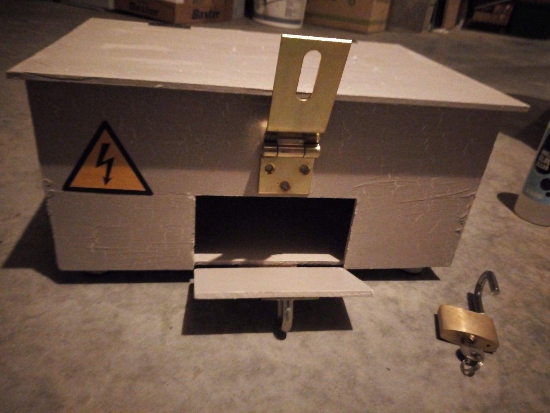 Three Layered Secret Puzzle Box With Maze
