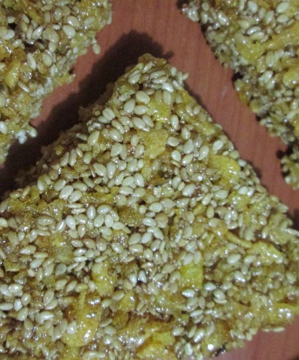 Sesame Seeds  and Corn Flakes Snaps.