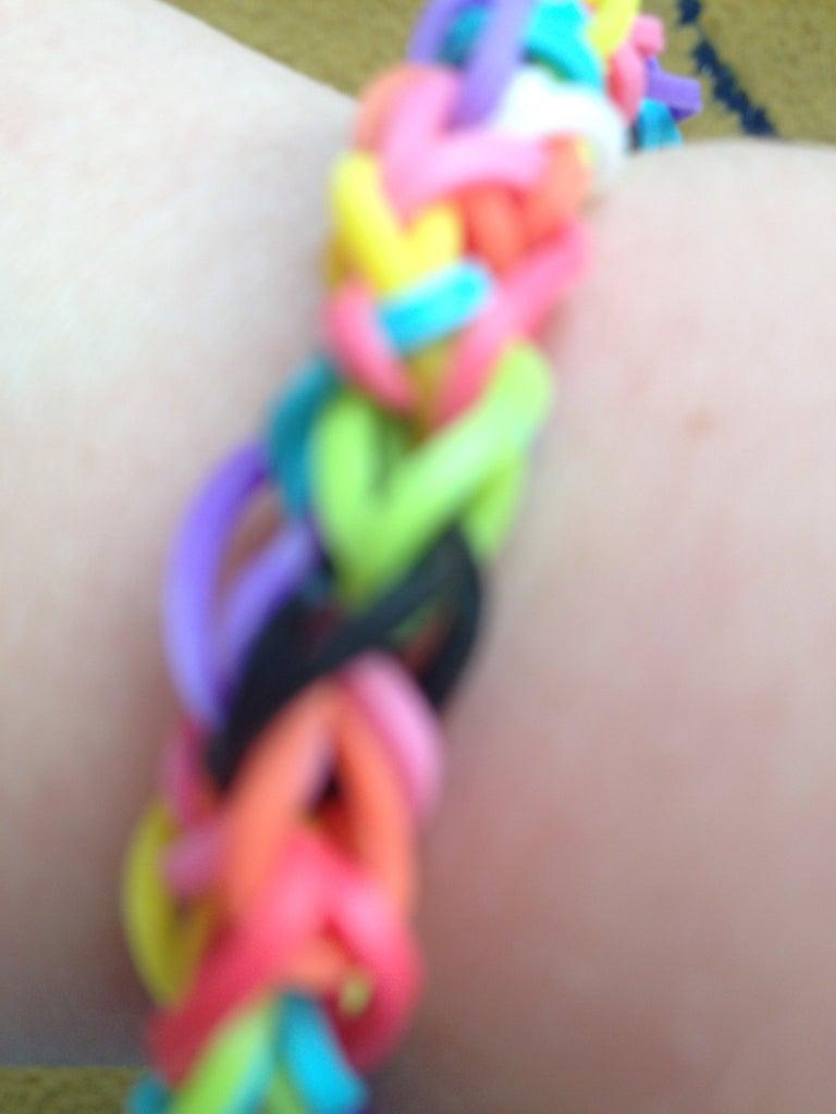 Make a Rainbow Loom Diamond Bracelet