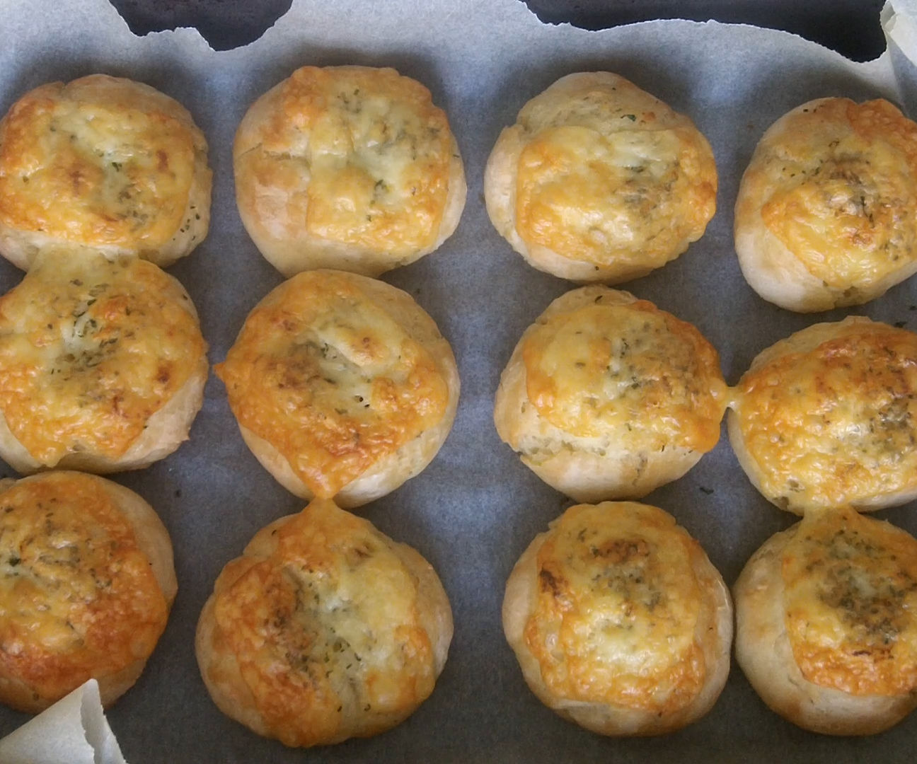 Very Very Easy Mini Butter Bread Rolls & Garlic Cheese Rolls