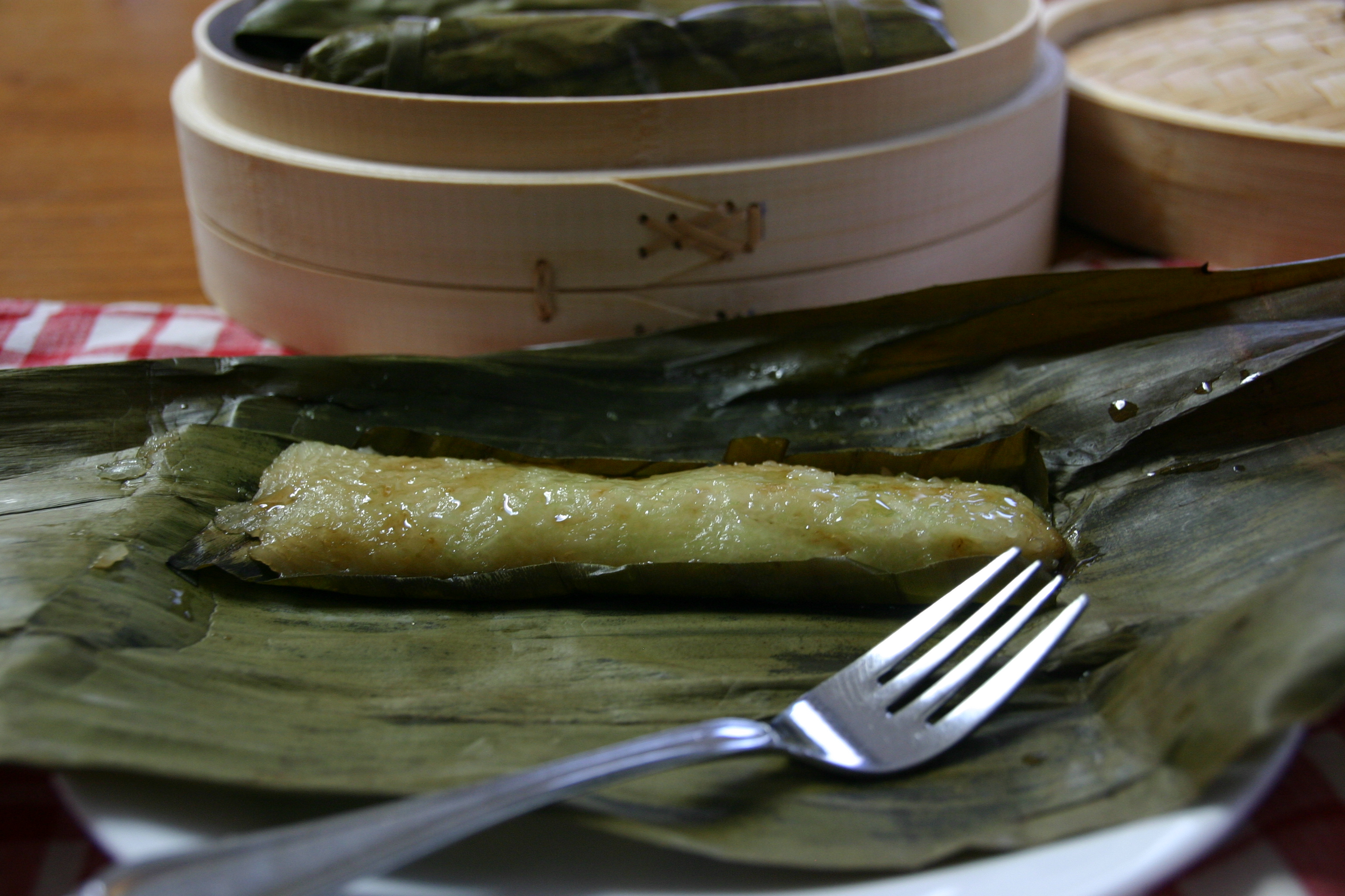 Suman Sa Lihiya - Filipino Steamed Sweet Sticky Rice Cakes