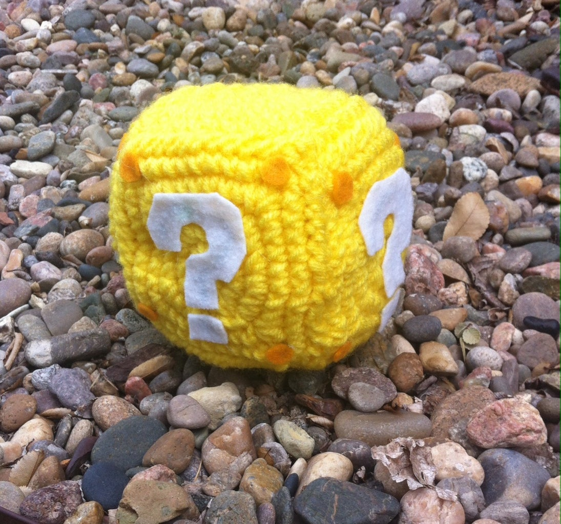 Crochet Mario ? Box
