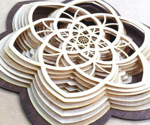 分层的木制雕塑