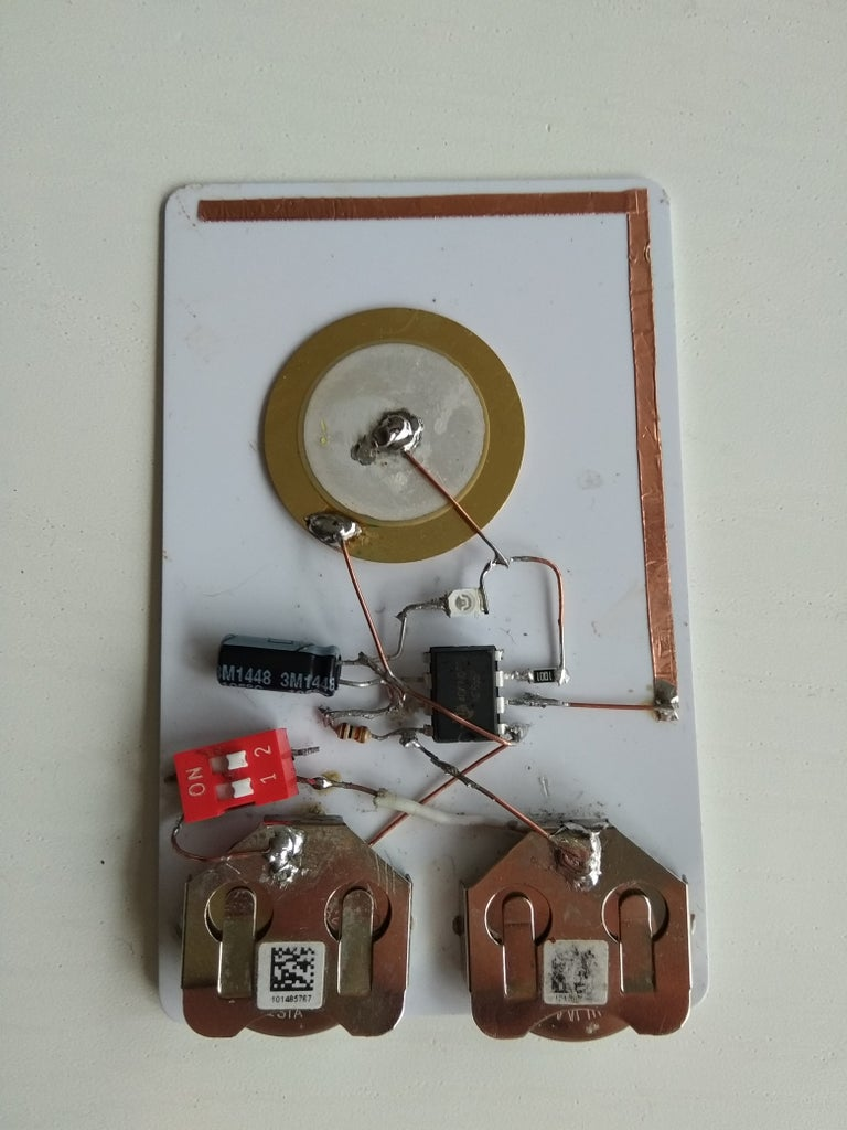 Credit Card Sized Contactless Voltage Detector (555)