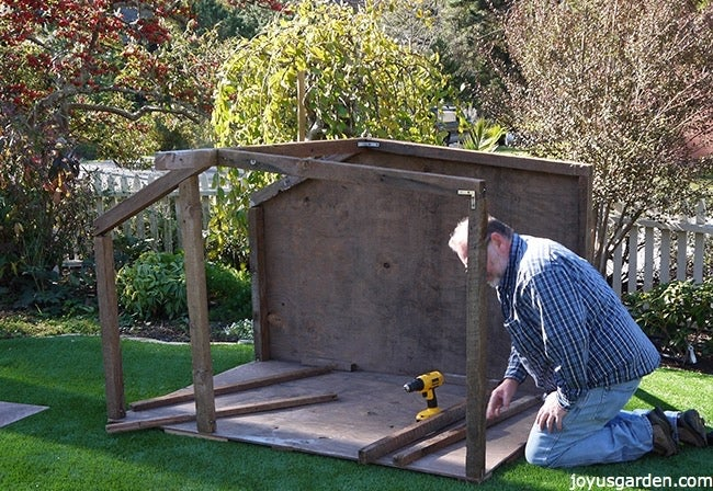 Beautiful Outdoor Nativity Scene, How To Build A Manger For Outdoors