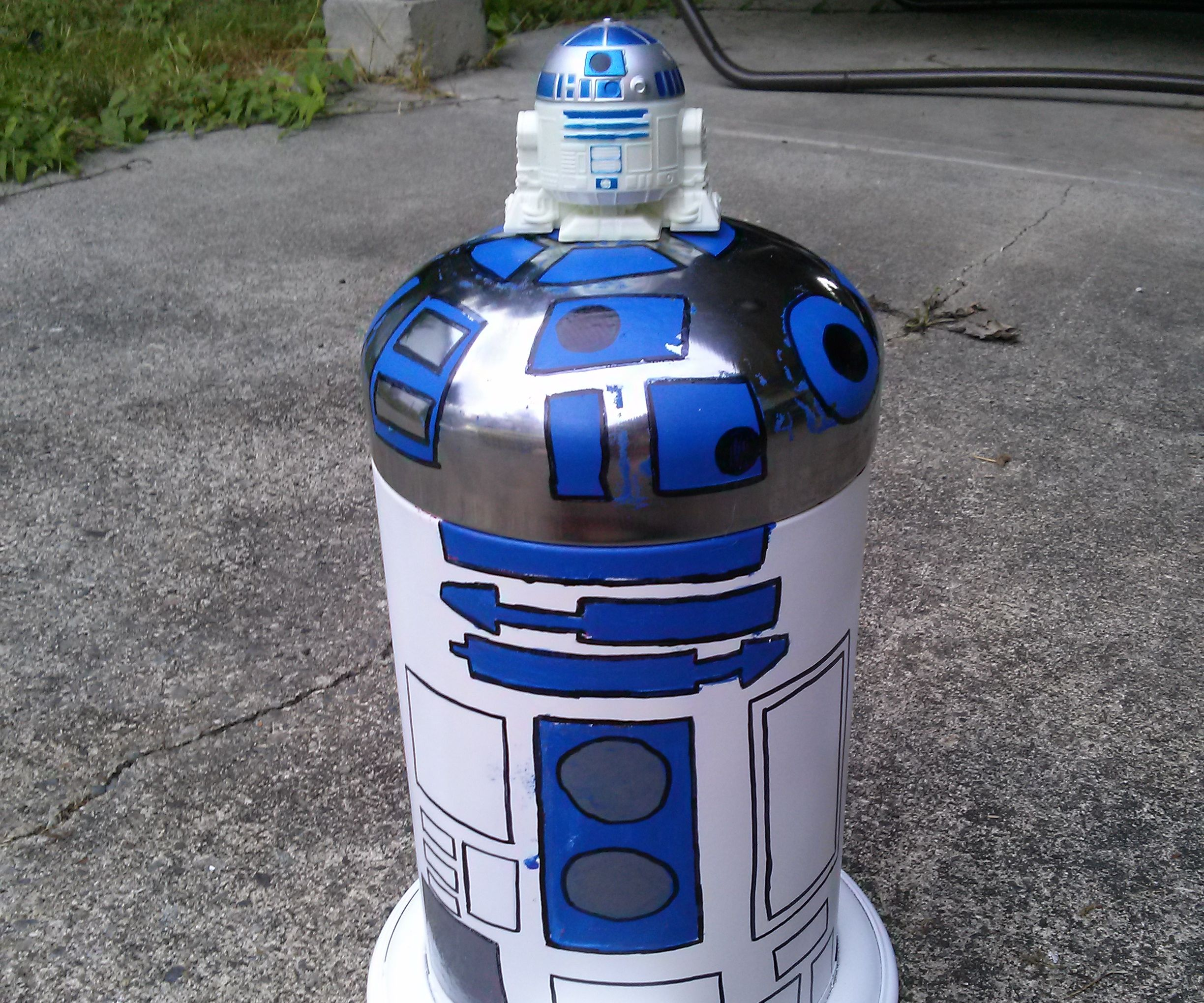 R2D2 Garbage Can