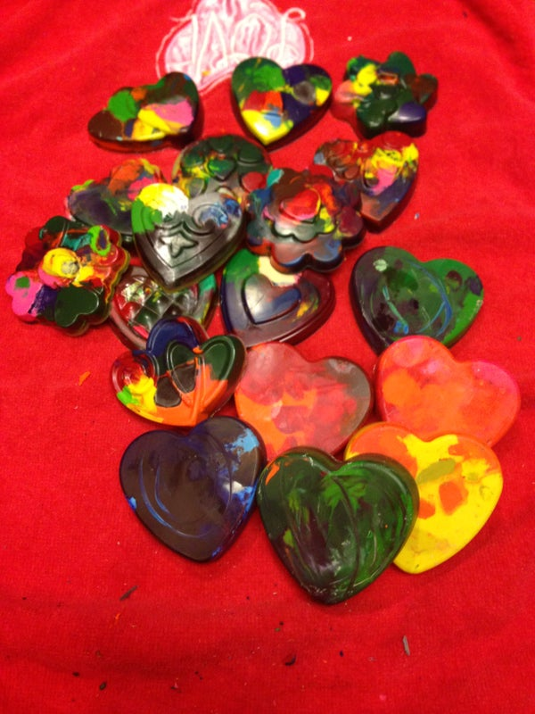 Recycled Crayons for Valentine's Day Kid's Craft