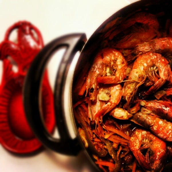 Thai-Cajun Hot Pot With Prawns