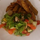 Baked Sweet Potato Fries With a  Mix Salad