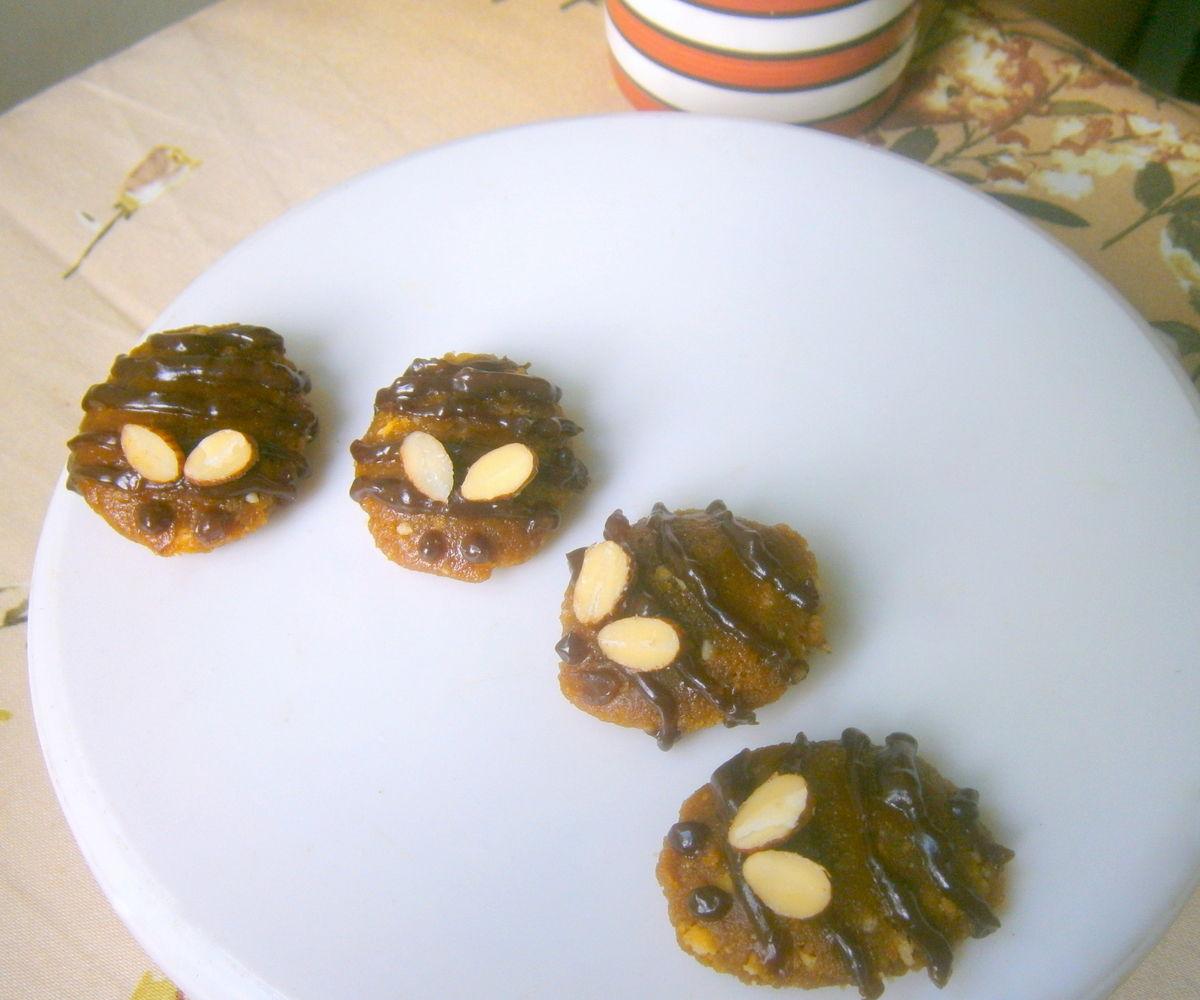 Honey-Bee Crunch Cookies
