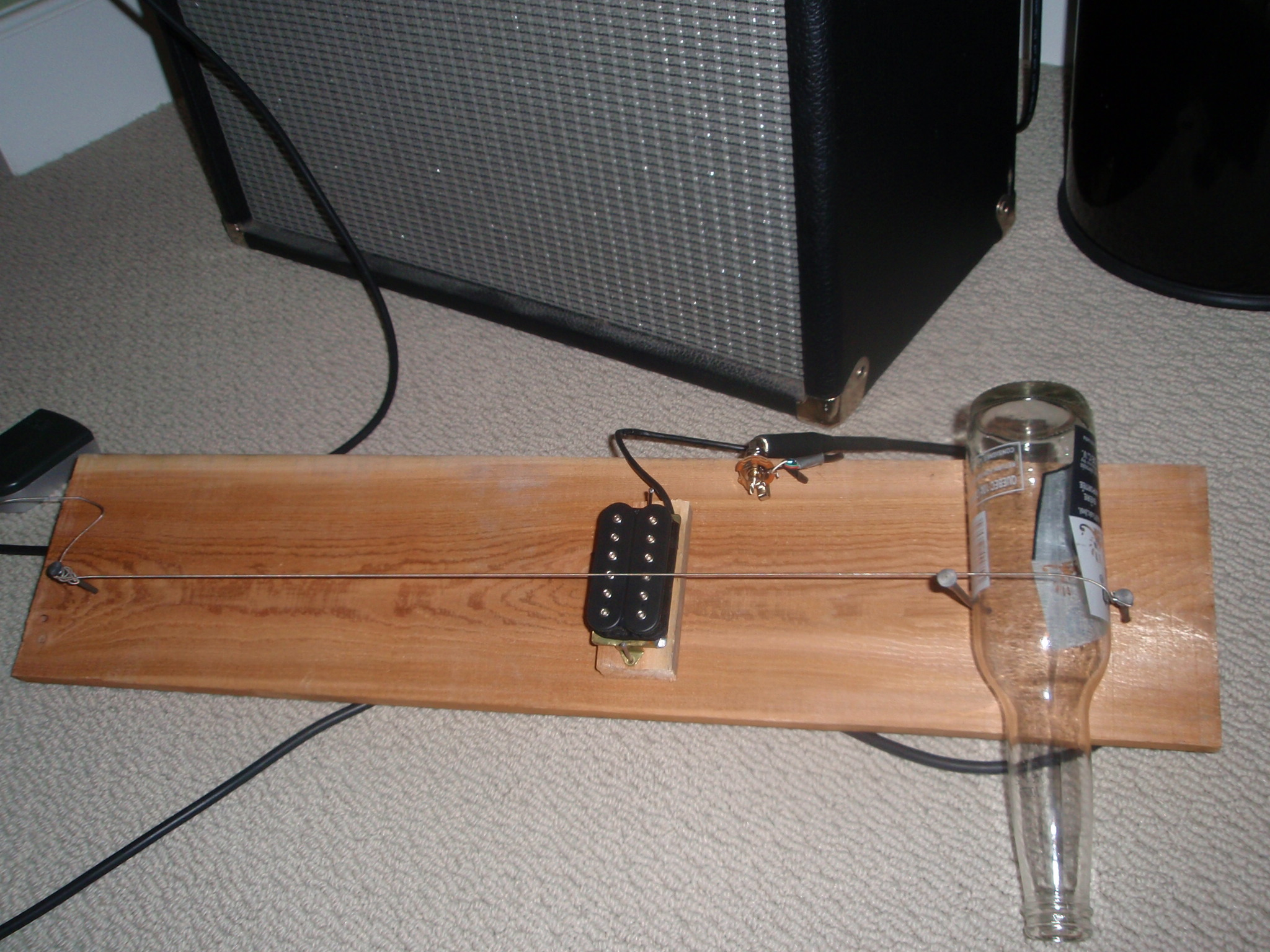 Homemade Diddley Bow Electric Slide Guitar (a la Jack White)
