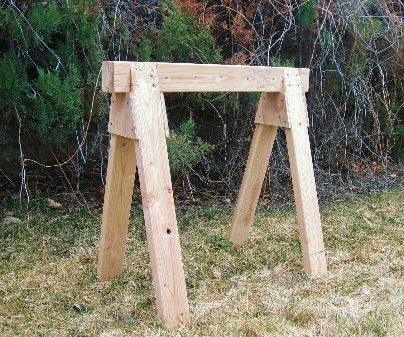 The Best Sawhorse - strong, cheap & easy!