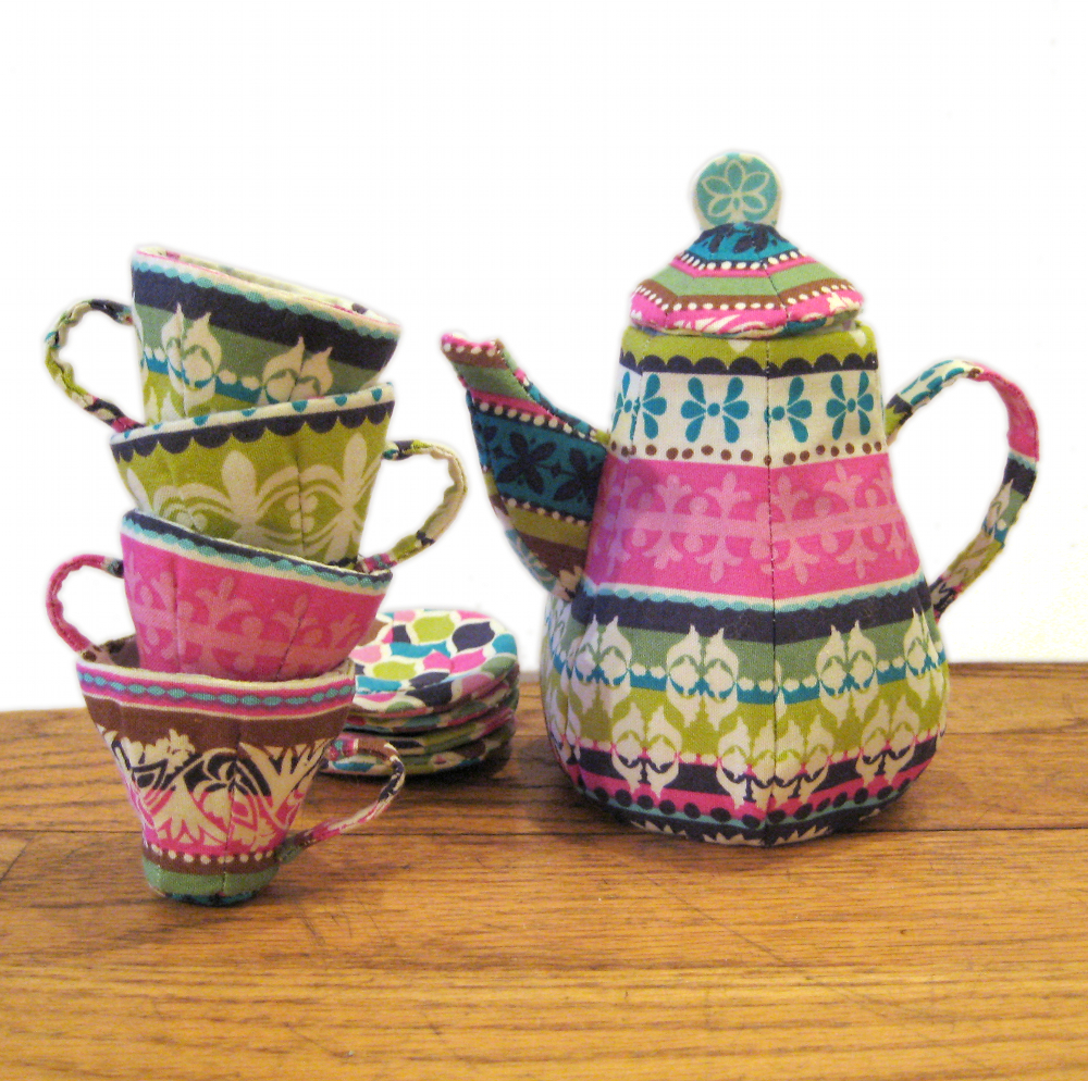 Quilted Mad Tea Party Set