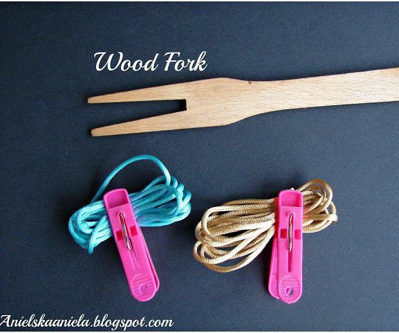 How to Make a Bracelet on Wood Fork