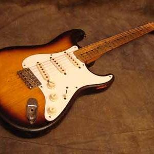 1954-Fender-Stratocaster-Sunburst_1.JPG