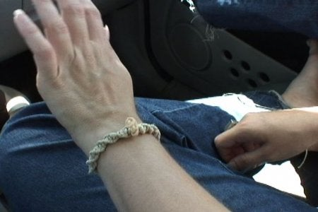 How to Make a Simple Macrame' Bracelet (or Necklace)