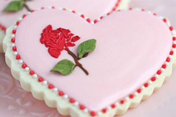 Stencilling on Cookies - Rose Valentine Cookie