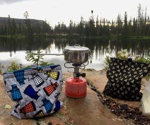 """背包客的营地餐""""舒适""""和饮料冷却器"""