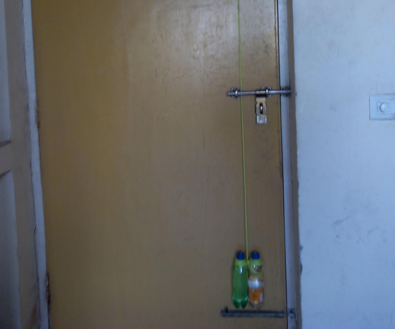 Automatic Door Closing Mechanism